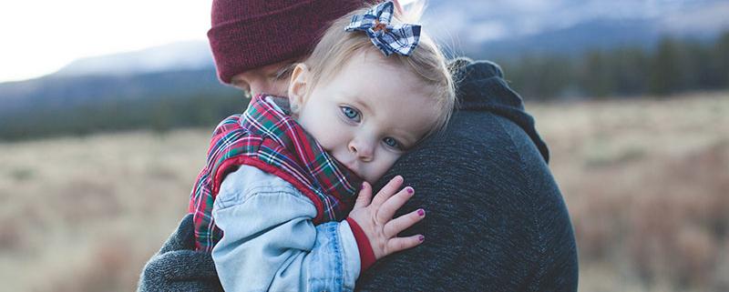 Hiperproteger a los niños